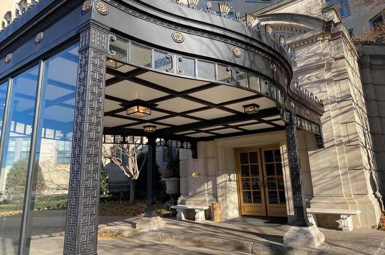 Painted Porte Cochere 510 Groveland Building Entrance