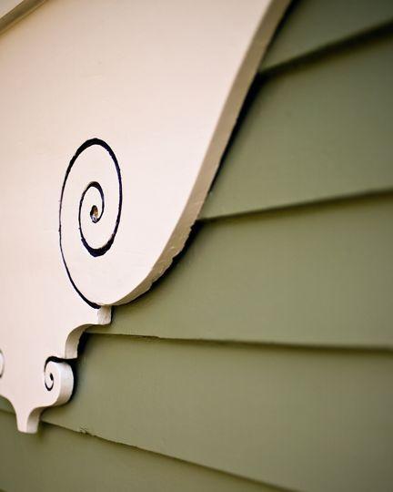 Painting wood window trim on Minneapolis Victorian homes